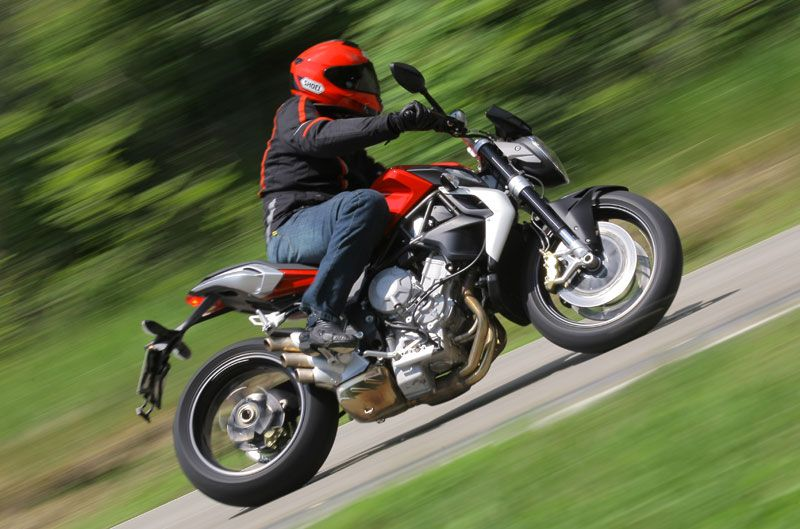 VOROMV Moto: 2012: MV Agusta Brutale 675. La naked de