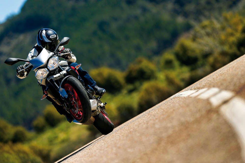 Triumph Street Triple Rx. Prueba | Carretera | Motociclismo.es