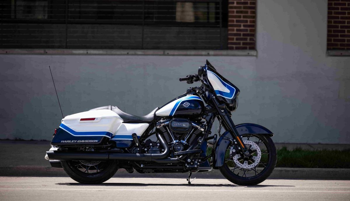 Harley Davidson Street Glide Special Artic Blast 02