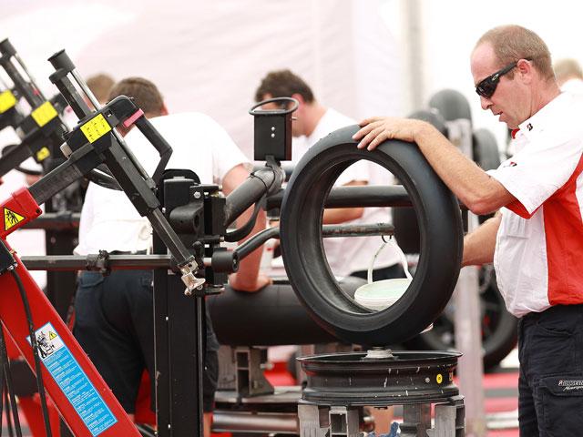 Valencia formará mecánicos profesionales para alta competición en motociclismo