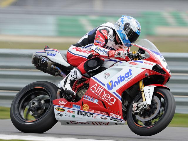 Carlos Checa, pole en Superbike en Holanda