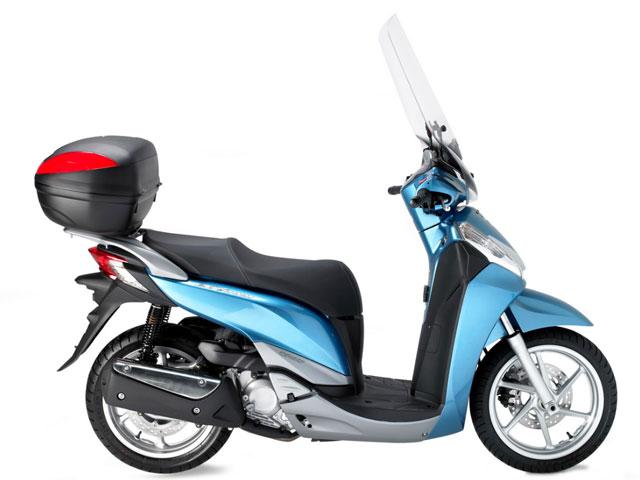 Baúl y cúpulas Givi para tu Honda Scoopy SH300I