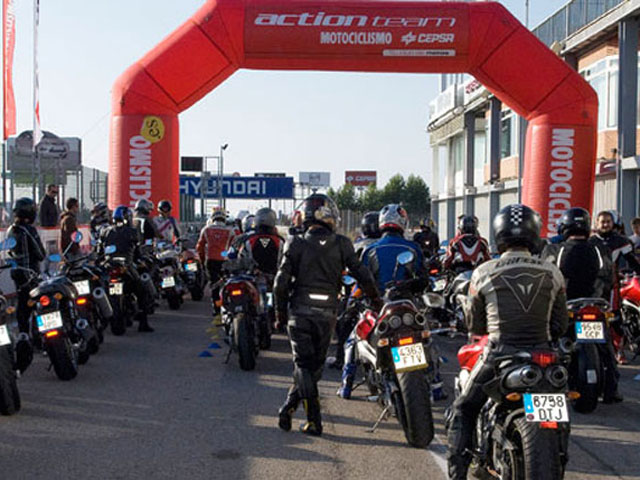 Curso de conducción Suzuki de Action Team en el circuito de Jarama