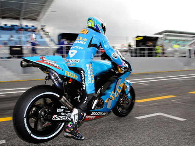 Vente al GP de Cataluña de motoGP con Suzuki y Action Team