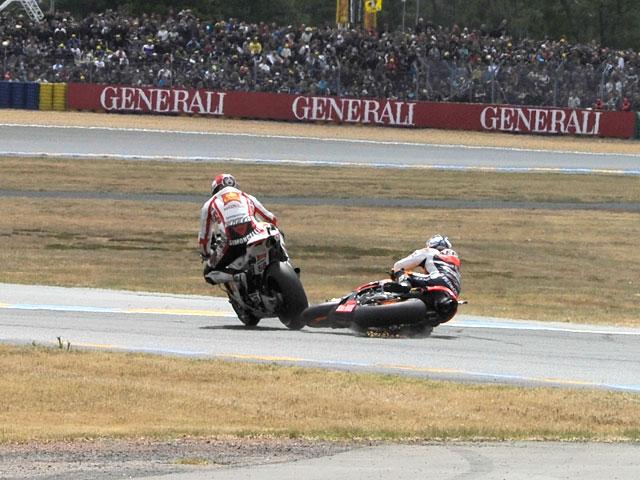 Fotos del incidente entre Pedrosa y Simoncelli en el GP de Francia