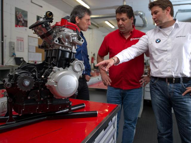 Husqvarna presenta su motor de 900 cc
