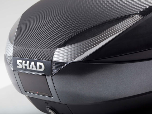 La tapa de carbono, una nueva generación para la top case SH48 de Shad