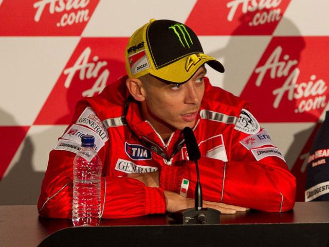 """Rossi: """"Empiezo con desventaja porque nunca he conducido MotoGP en Silverstone"""""""