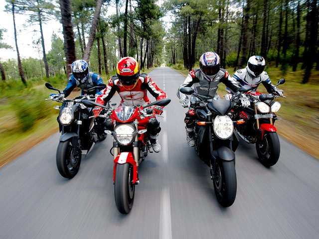 Ducati Monster 1100 EVO, KTM 990 Super Duke, MV Agusta Brutale, Triumph Speed