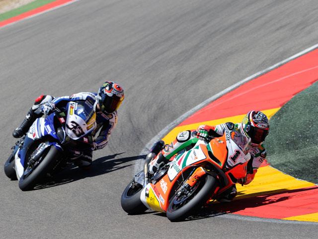Marco Melandri y Max Biaggi se reparten las carreras en Motorland