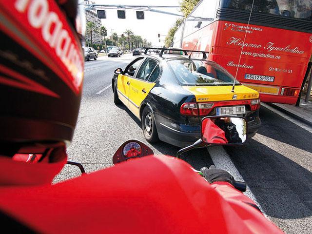 Las motos tienen menos accidentes que los coches
