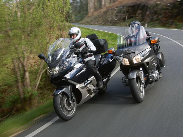 La DGT insiste en complicar el acceso al carné de moto