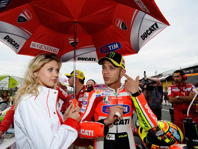 """Valentino Rossi: """"Probaremos las dos motos el viernes"""""""