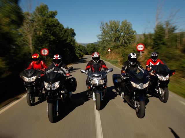 Comparativa turismo: BMW, Honda, Moto Guzzi, Triumph y Yamaha