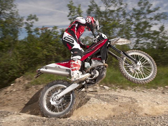 Husqvarna presenta su gama para 2012