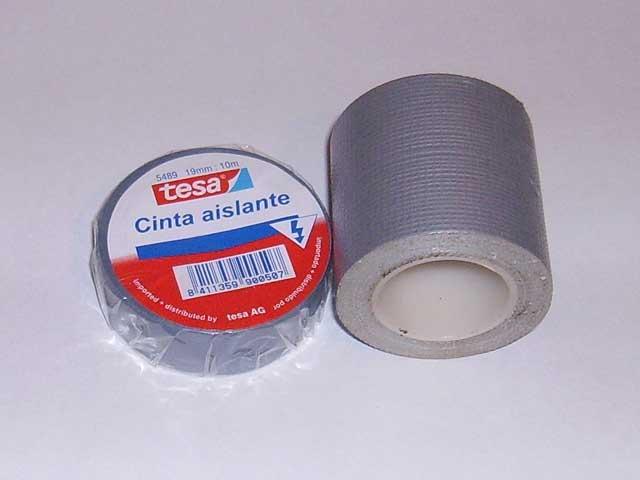 Reparaciones: cinta americana y cinta adhesiva