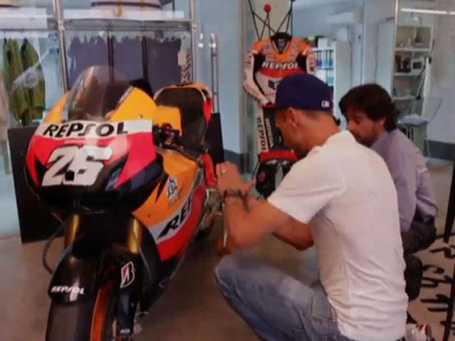 La Honda Repsol de MotoGP, decorada por Davidelfin