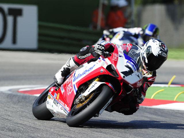 Carlos Checa se juega el Mundial de Superbike en Magny Cours