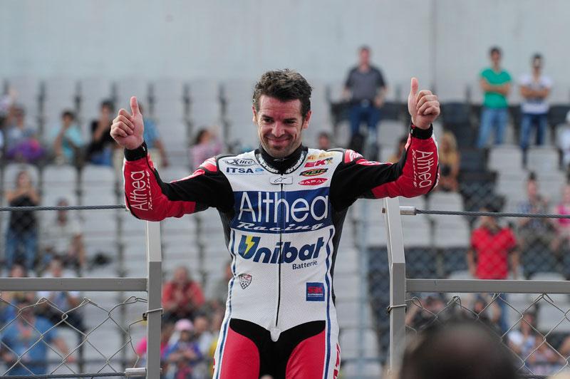 Carlos Checa continuará en el Ducati Althea Racing en 2012