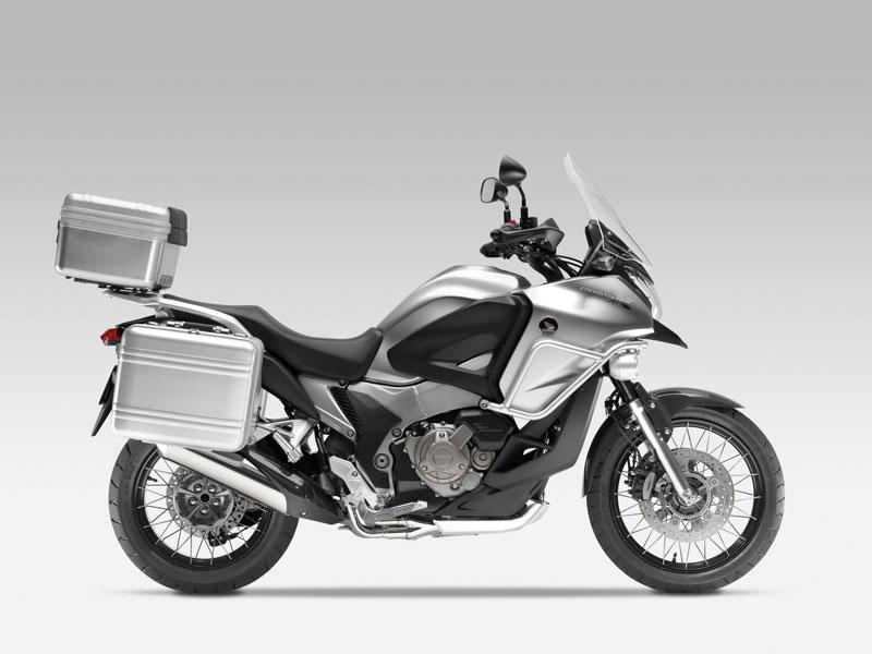 Honda comercializará la Crosstourer