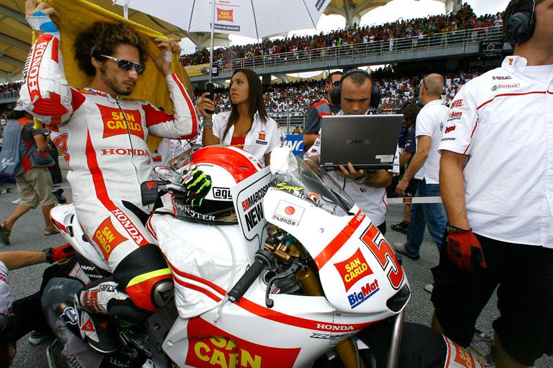 Marco Simoncelli fallece en el Gran Premio de Malasia de MotoGP