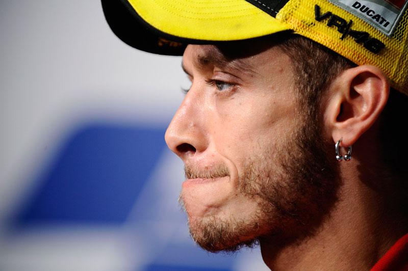 Valentino Rossi llora la muerte de Marco Simoncelli