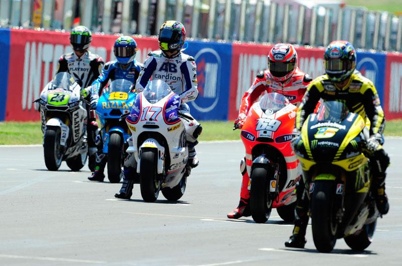 Carmelo Ezpeleta quiere máxima igualdad en MotoGP en 2013