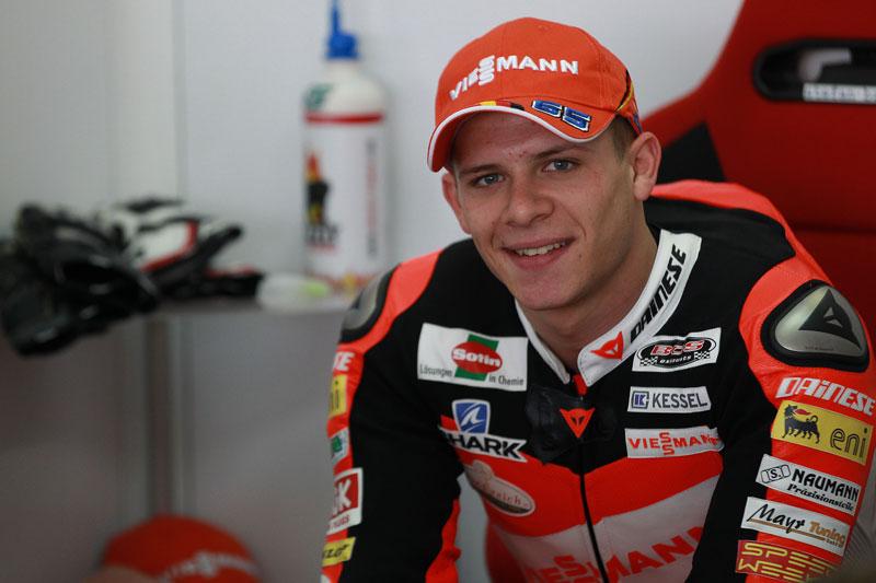 Stefan Bradl celebra el título de Moto2 un día antes