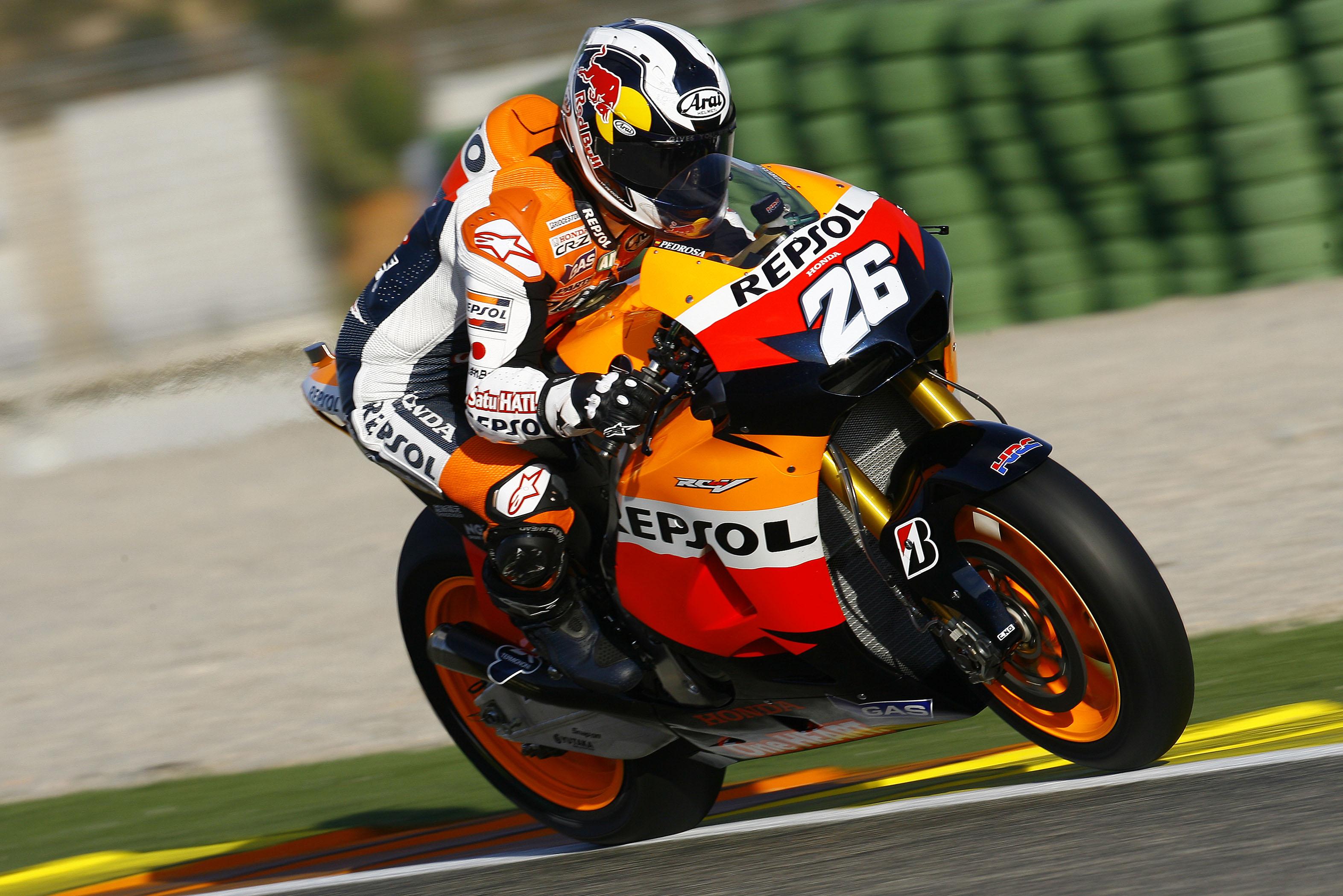 Dani Pedrosa arranca la temporada 2012 con el mejor tiempo en Valencia