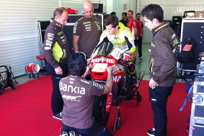 Nico Terol comienza a rodar con la Suter de Moto2