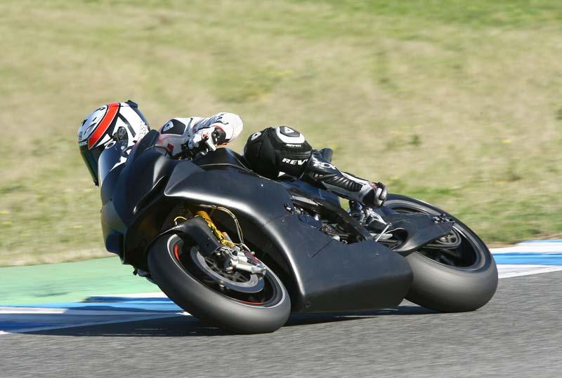 Randy de Puniet y Aleix Espargaró, con Aspar en MotoGP