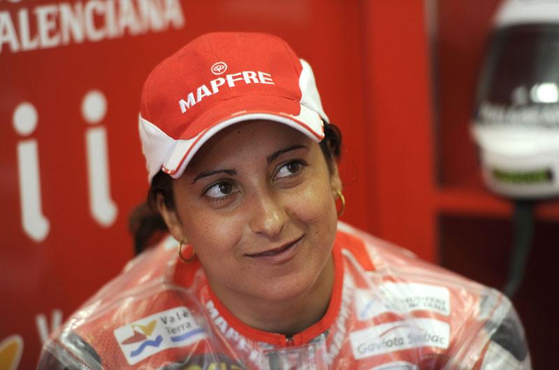 Elena Rosell correrá el mundial de Moto2
