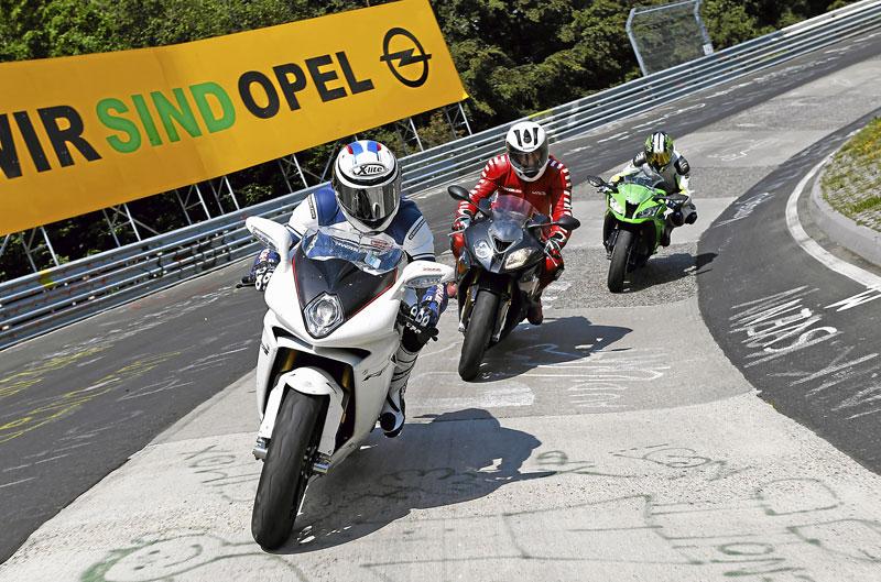 Comparativa Superbike: BMW S 1000 RR, Kawasaki ZX-10R y MV Agusta F4 RR