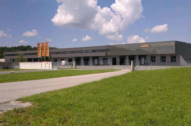 KTM ampliará su centro de recambios
