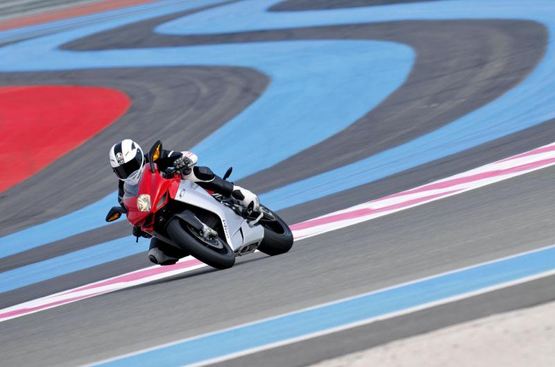 MV Agusta F3 675 y las futuras Triumph