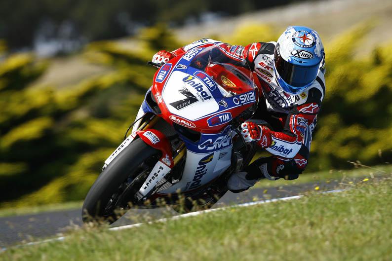 Carlos Checa, el más rápido en Phillip Island