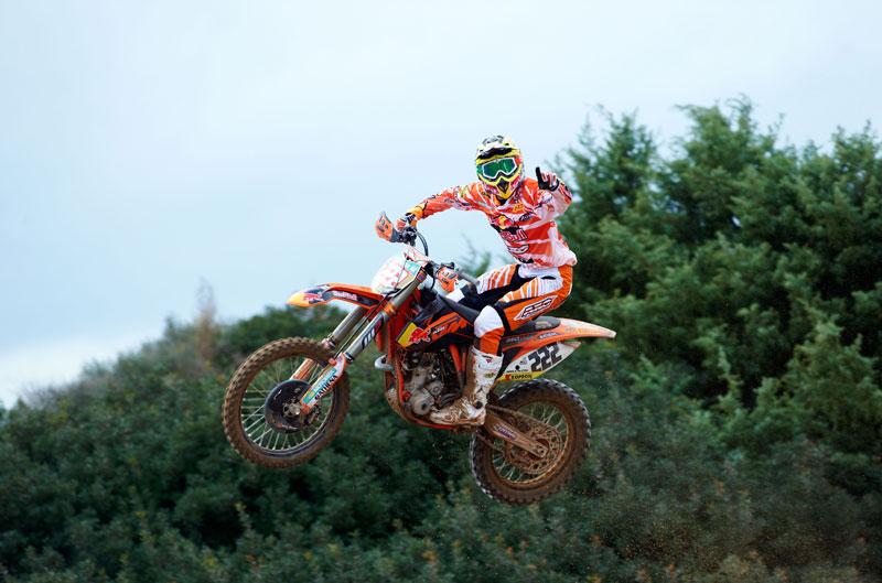 Antonio Cairoli gana en Mantova