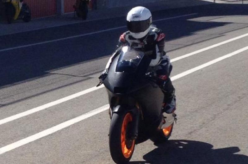 Marc Márquez vuelve a subirse en la moto