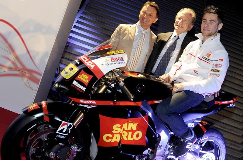 Presentación del Equipo San Carlo Honda Gresini en Milán