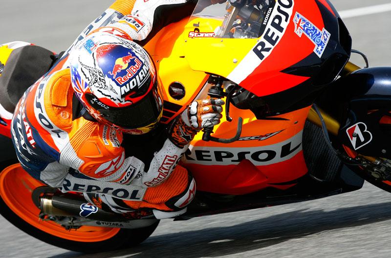 Stoner el más rápido en Jerez por delante de Lorenzo