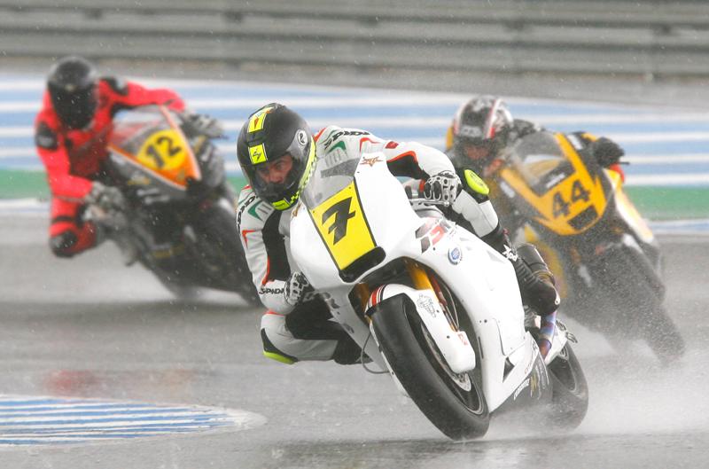 Encuesta de la semana: ¿Te parece bien considerar todas las carreras siempre «en agua» y dejar a los pilotos elegir neumáticos?