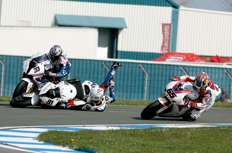 Vídeo: highlights de Superbike y Supersport en Donington