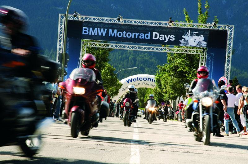 Viaja en moto este verano con TravelBike