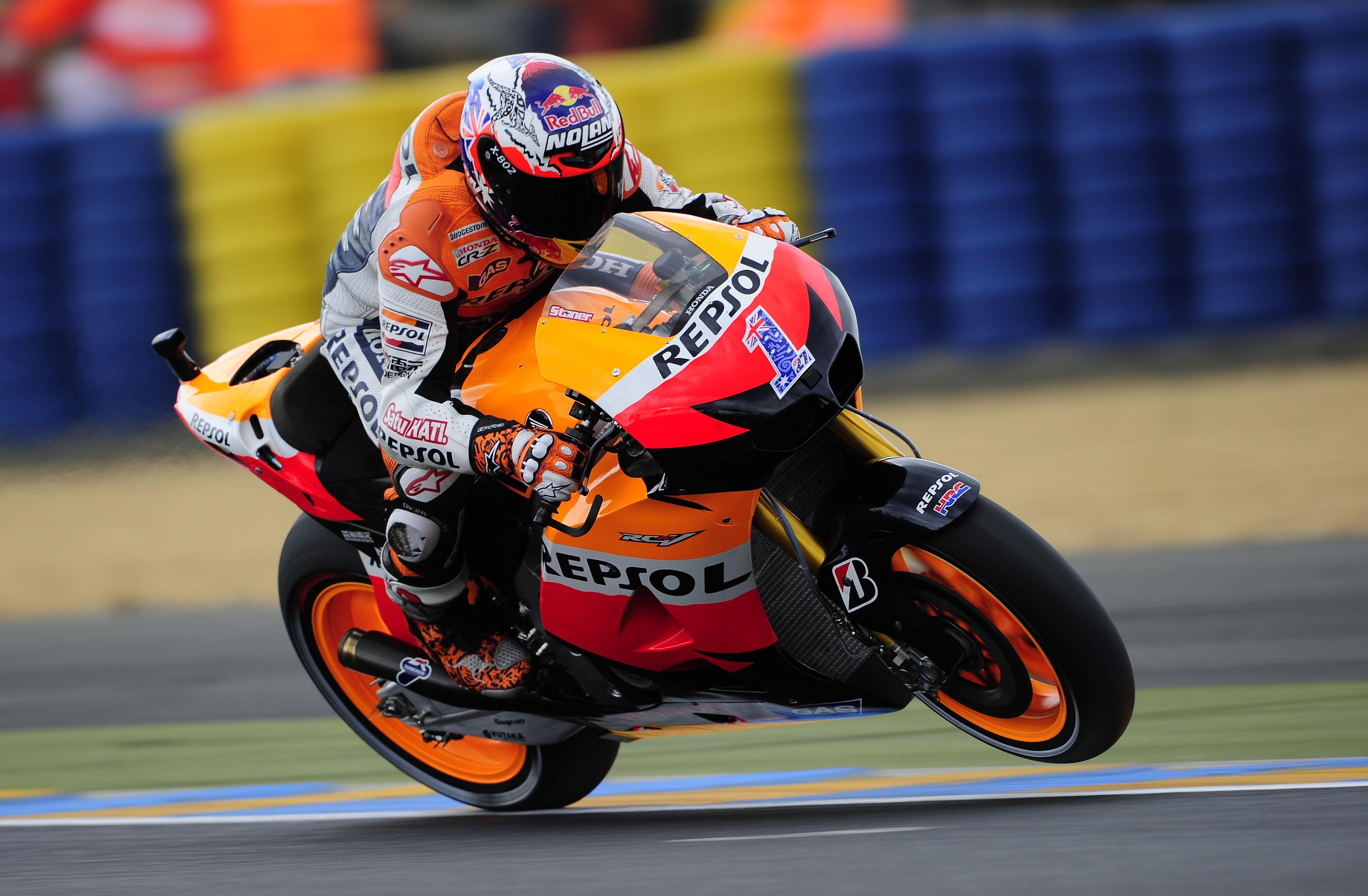Stoner, Espargaró y Oliveira dominan en el FP3 de Gran Premio de Francia