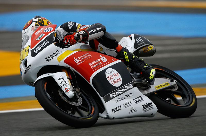 Épica victoria bajo la lluvia del local Louis Rossi en el GP de Francia de Moto3