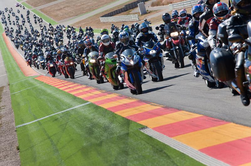 Entra con tu moto al circuito de MotorLand en el CEV-Buckler