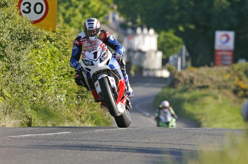 McGuinness gana en el TT su victoria 18