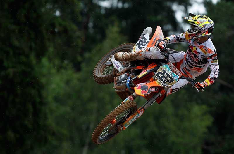 Tony Cairoli gana en Letonia