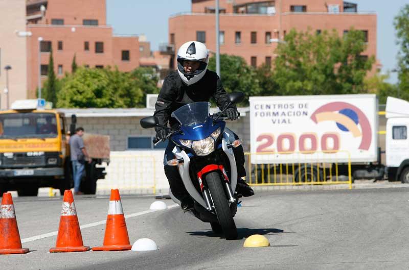 Cómo sacar el carnet A2 de moto