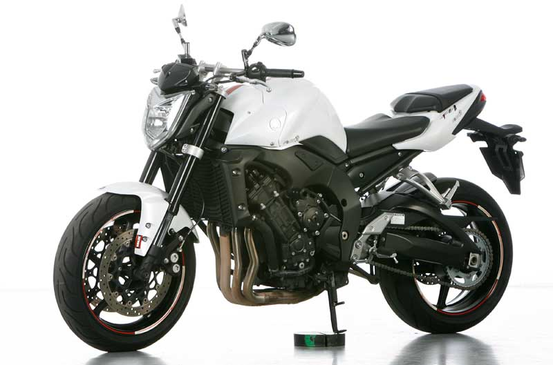 https://www.motociclismo.es/media/cache/big/upload/images/article/13436/yamaha-fz1-n-2012-0727.jpg